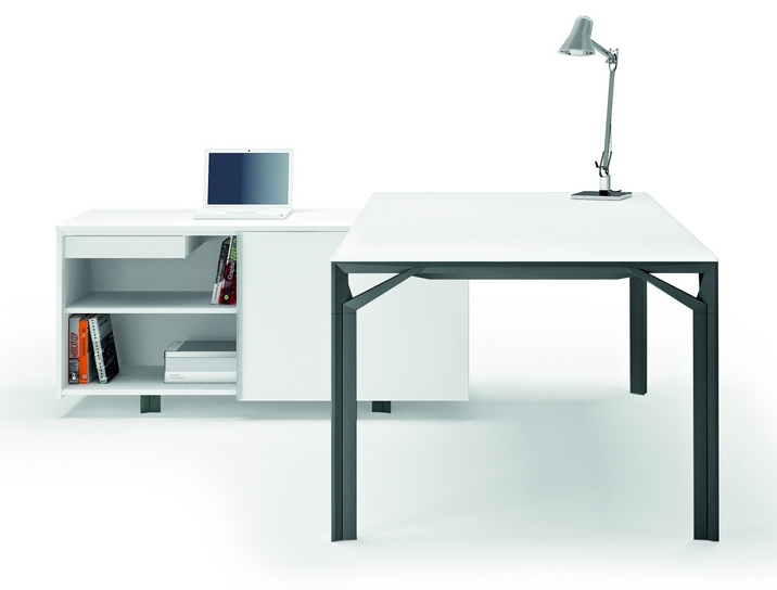 X8 Skrivbord X8 - Skjutdörr/baksida laminat